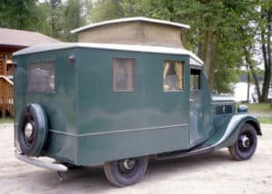 Ford z 1937 Housecar RR1