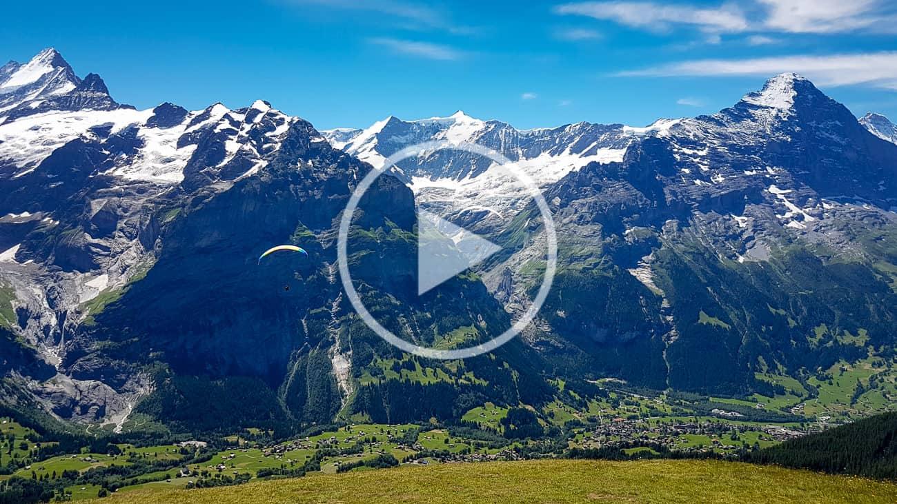 paralotnia w alpach szwajcarskich