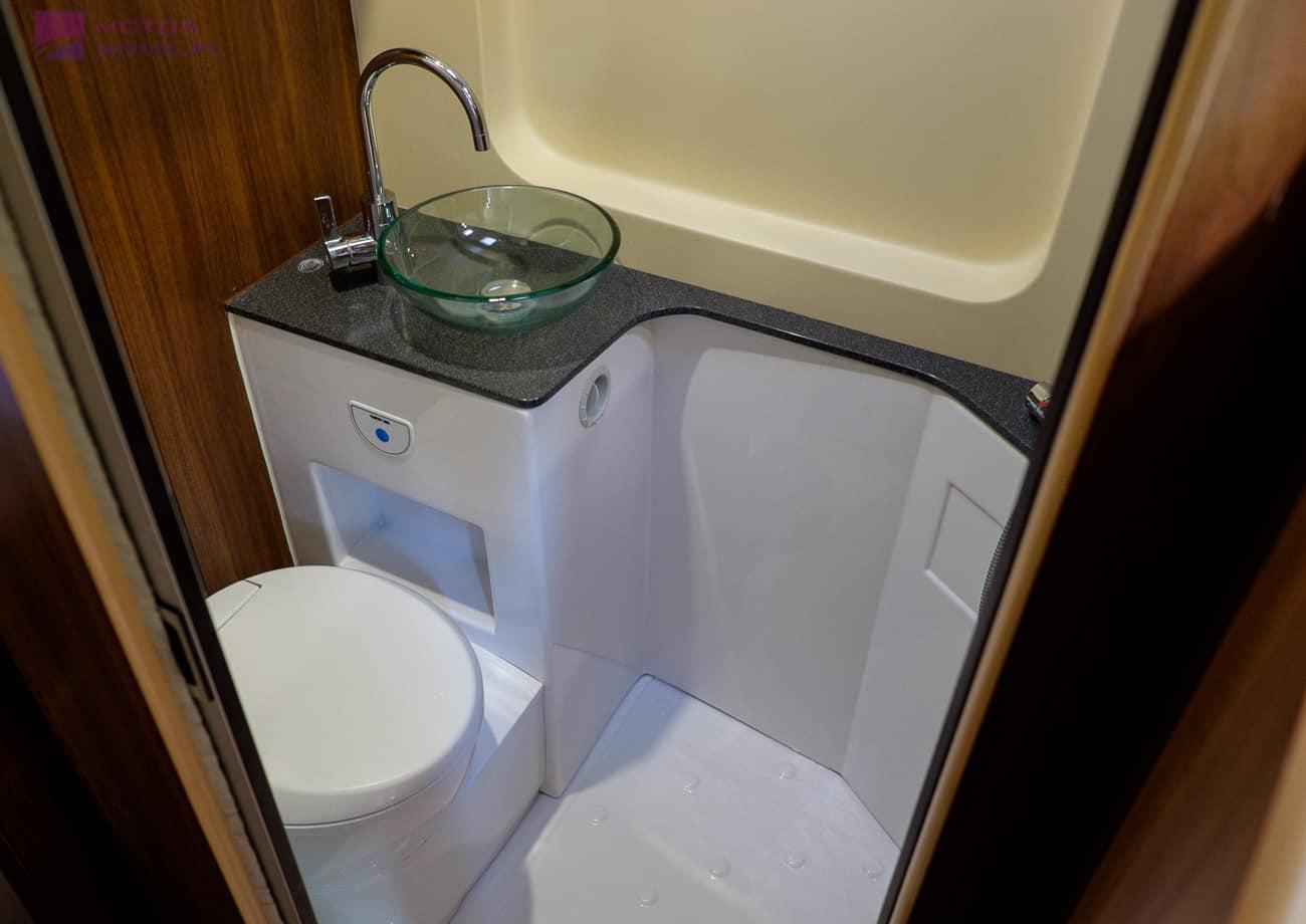 Łazienka w Inspire Camper