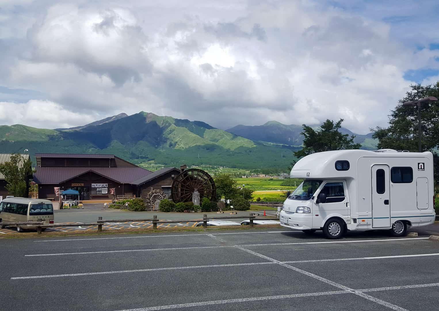 Japonia kamperem