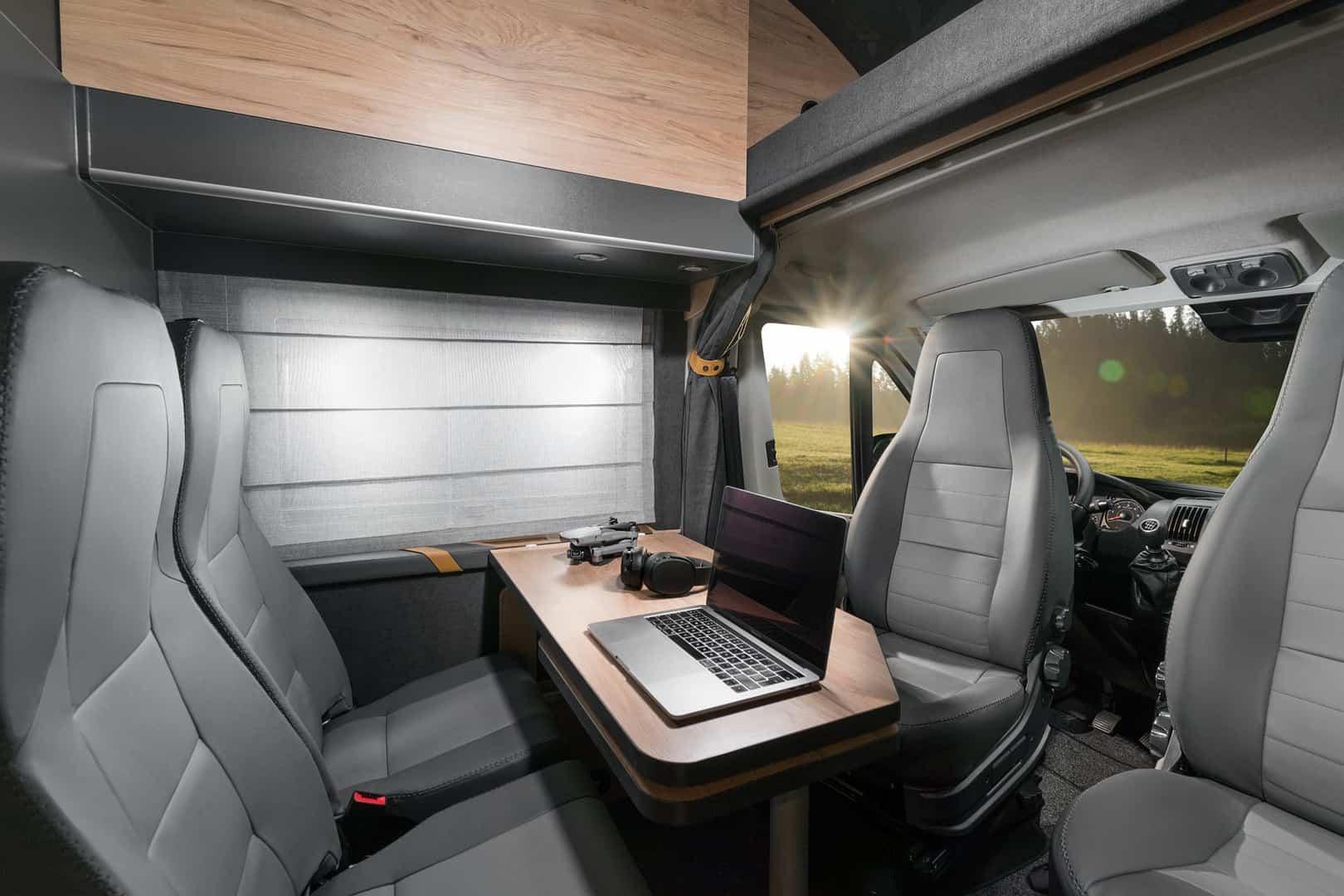 Zdjęcia kamperów wnętrza