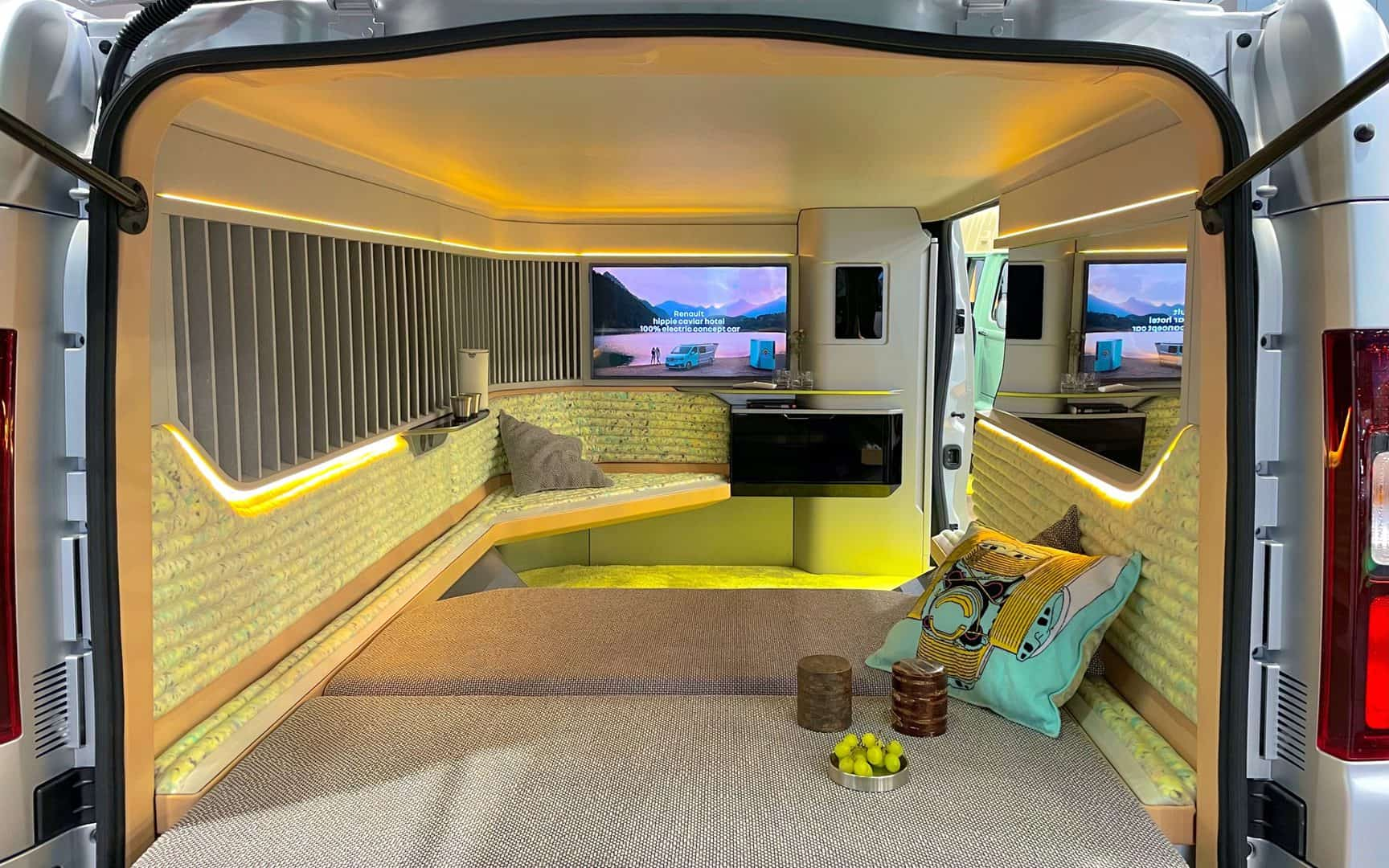 Hippie Caviar Hotel - Caravan Salon 2021